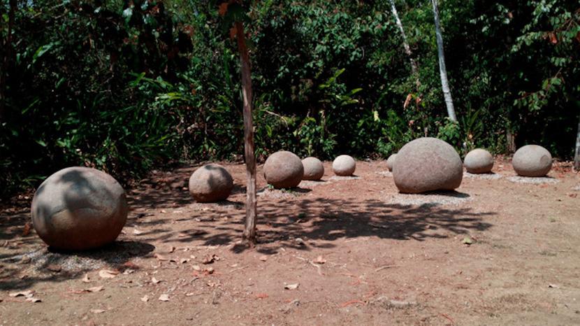Round Stones Diquis Costa Rica - isla del Cano
