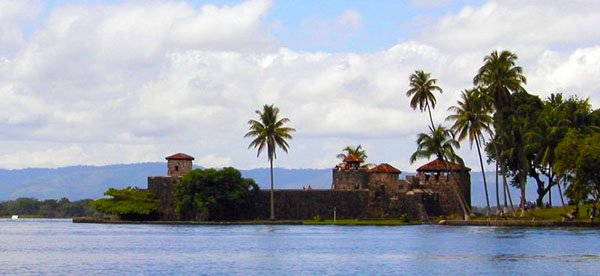 https://panamaposse.com/castillo-de-san-felipe