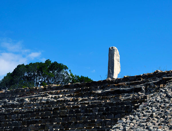 It was not until 1931 that large-scale scientific excavations were undertaken, under the direction of Mexican archaeologist A