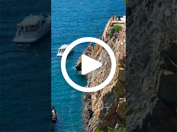 🇲🇽  LA QUEBRADA CLIFF DIVERS ACAPULCO MEXICO