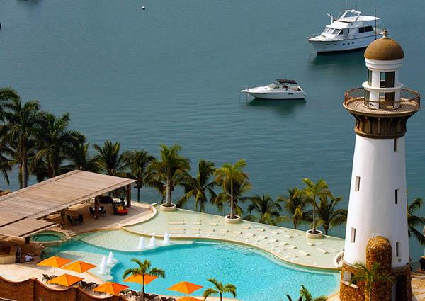 La Marina Acapulco sponsors the PANAMA POSSE >>