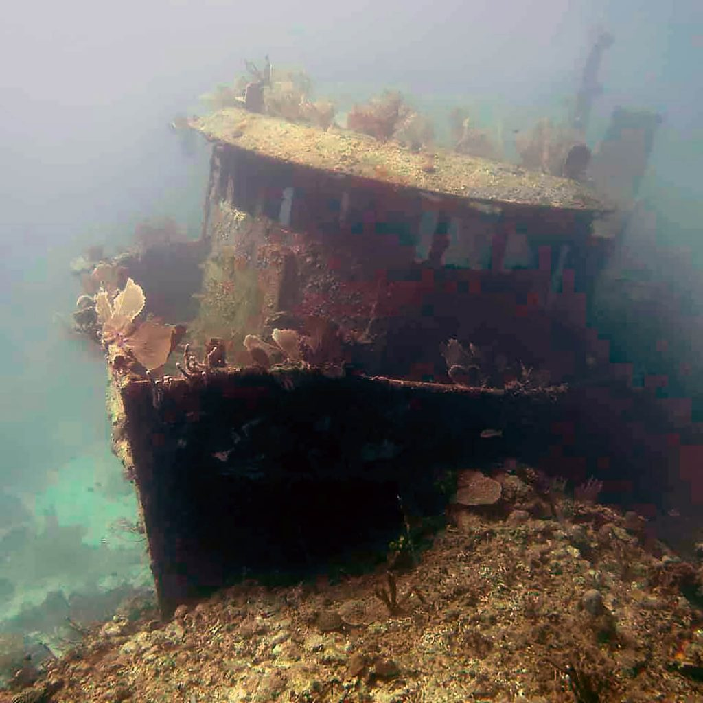 sunken ship dive