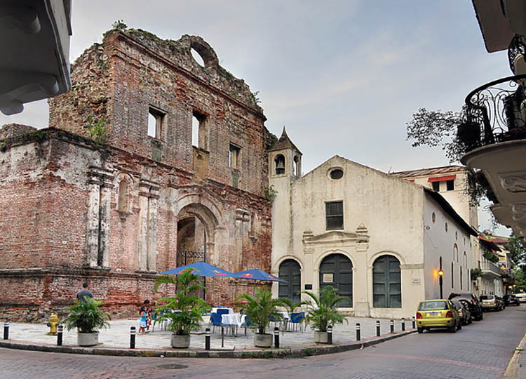 Convento Arco Chato Casco Viejo Panama