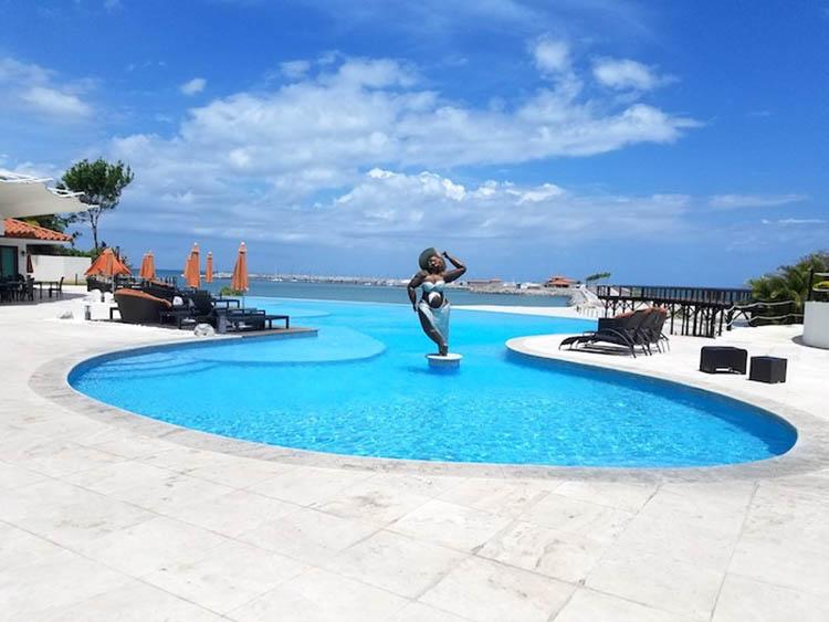 A club pool overlooking the Vista Mar Marina in Coronado Panama