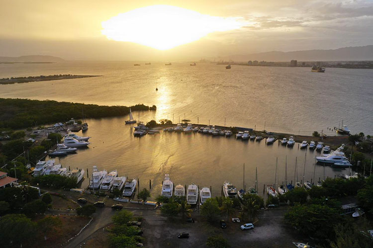 The Royal Jamaica Yacht Club sponsors the Panama Posse