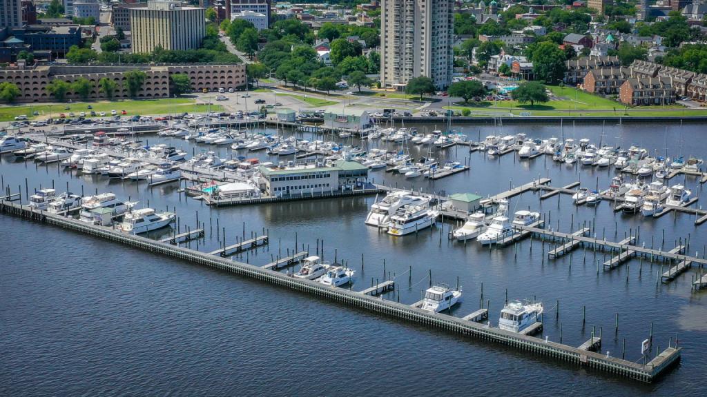 """Tidewater Yacht Marina 36°50'28.9""""N 76°17'52.1""""W"""